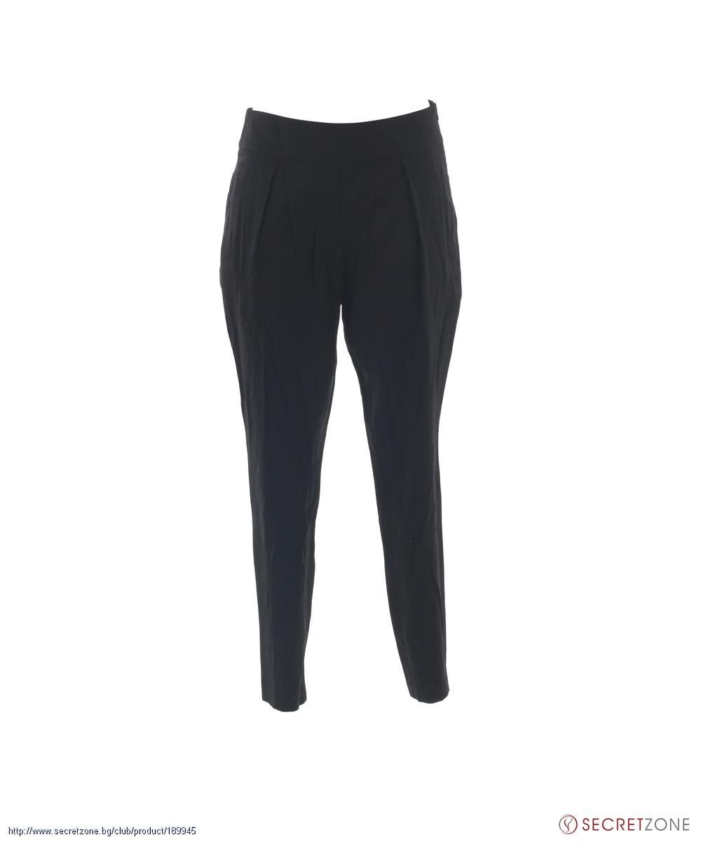 Панталон в черен цвят с набори от Fracomina