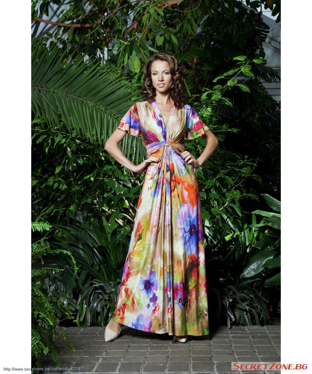 a917ed82787 Пъстроцветна дълга рокля с интересна кройка | Secretzone.bg