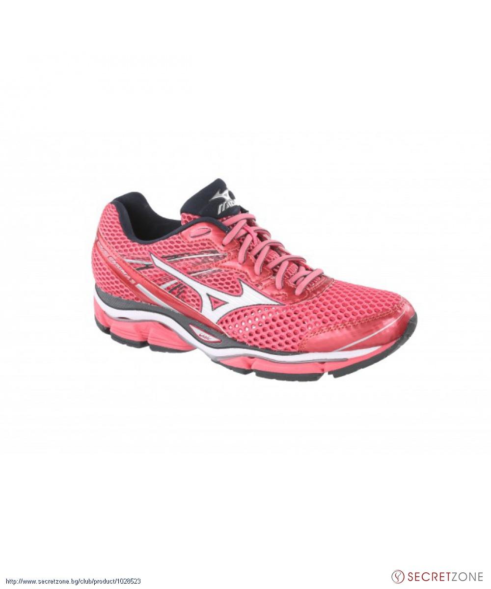 270a7ea2701 Дамски маратонки MIZUNO в цвят корал и бял с тъмни детайли ...